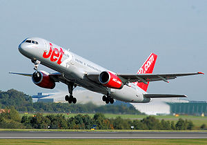 Boeing 757-200 takes off at Manchester Airport
